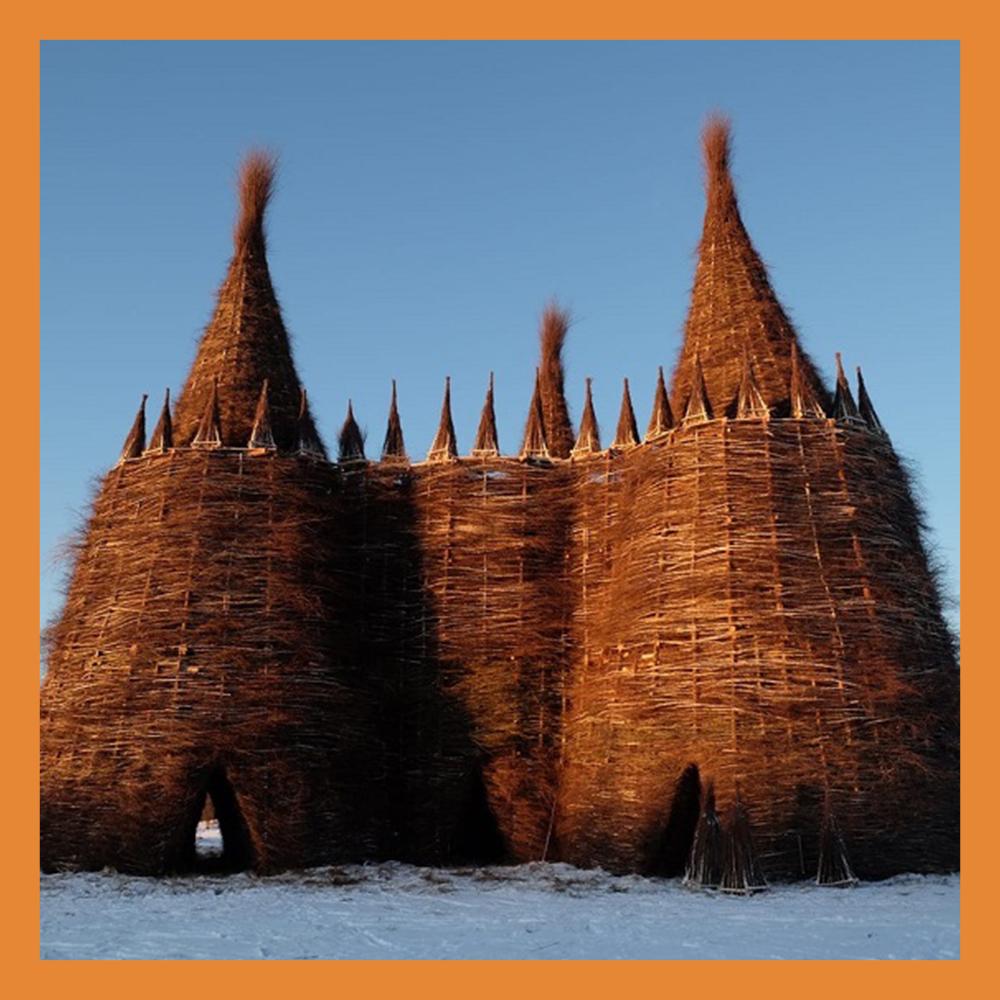 24-метровый замок для сожжения построили в Никола-Ленивце