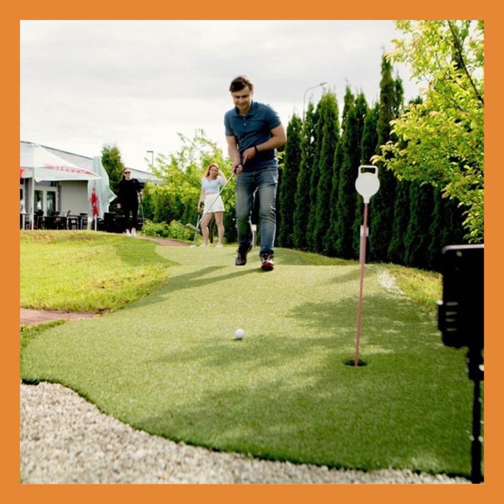В Калуге открыли сезон игр в мини-гольф