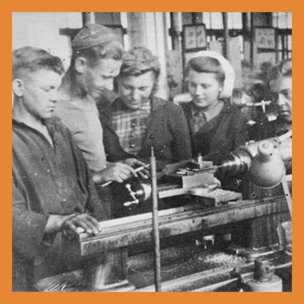 В 1917 году был основан Калужский электромеханический завод (КЭМЗ)